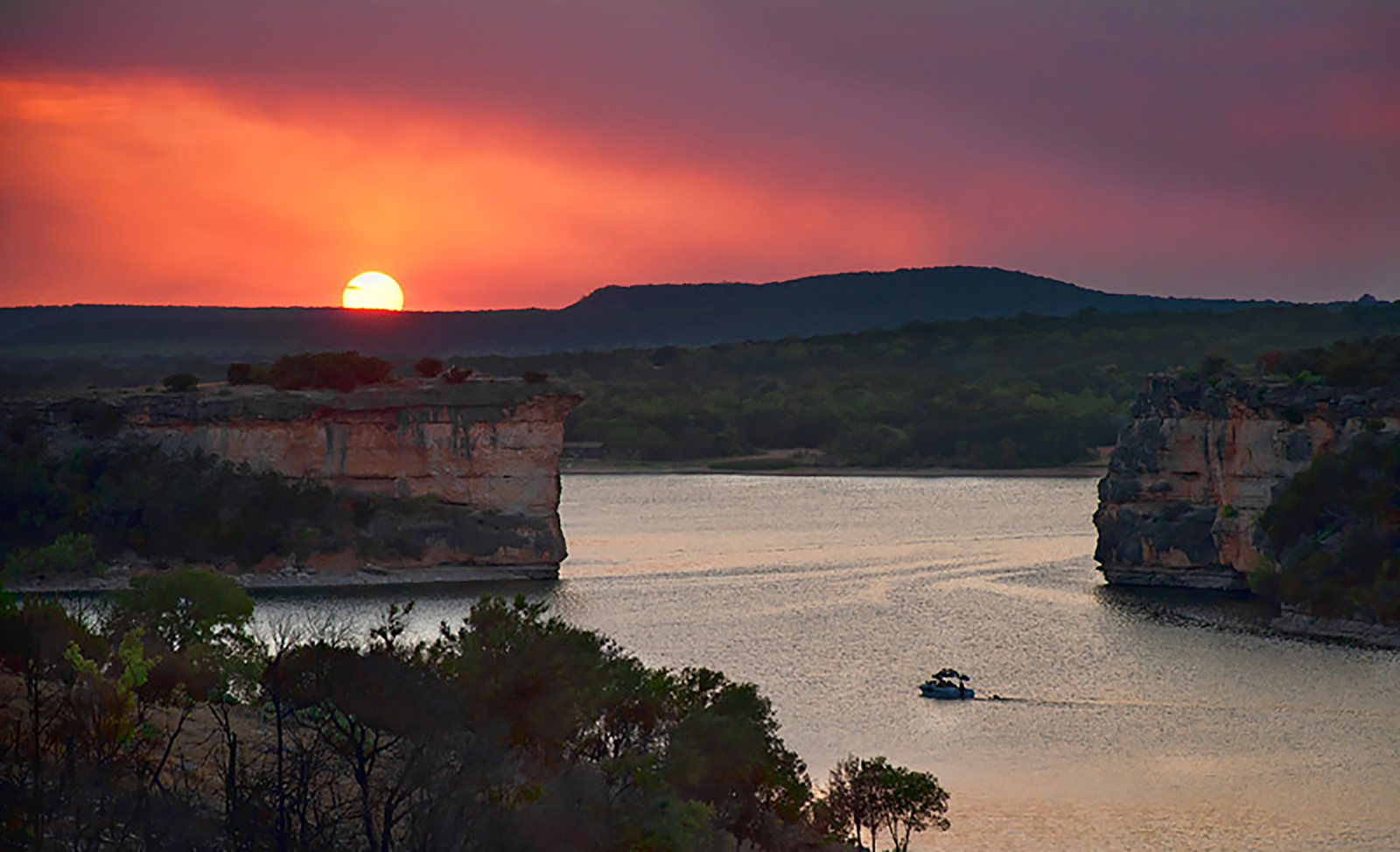 possum-kingdom-cliff-sunset-1